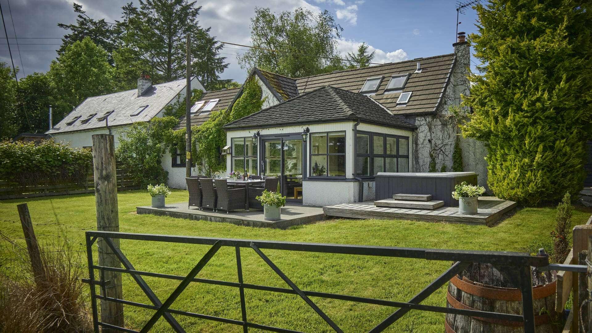 Lochend Chalets Accommodation